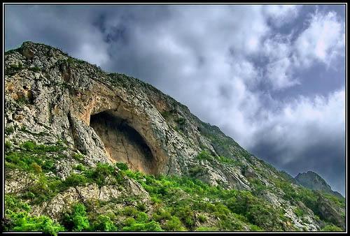 غار اسپهبد خورشید بزرگترین طاق طبیعی دنیا