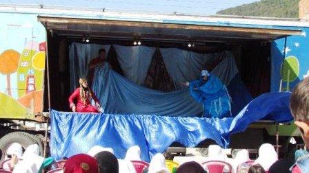 تریلی سیار نمایش کودک و نوجوان به سوادکوه رسید