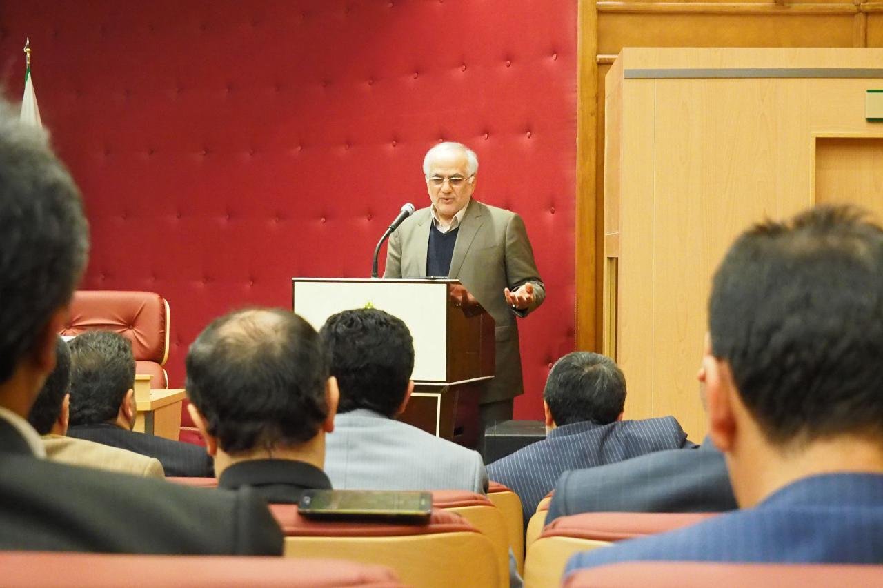 مردم سرمایههای اجتماعی و سرمايه اصلي انقلاب و نظام هستند، انتخابات بايد تجلي وحدت و انسجام ملي باشد